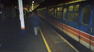 051FW2002
